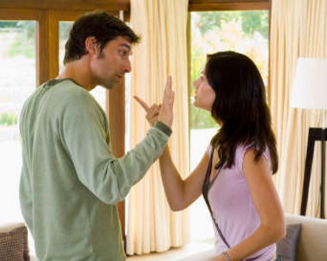 suami-istri-harus-hindari-3-kata-ini-saat-bertengkar